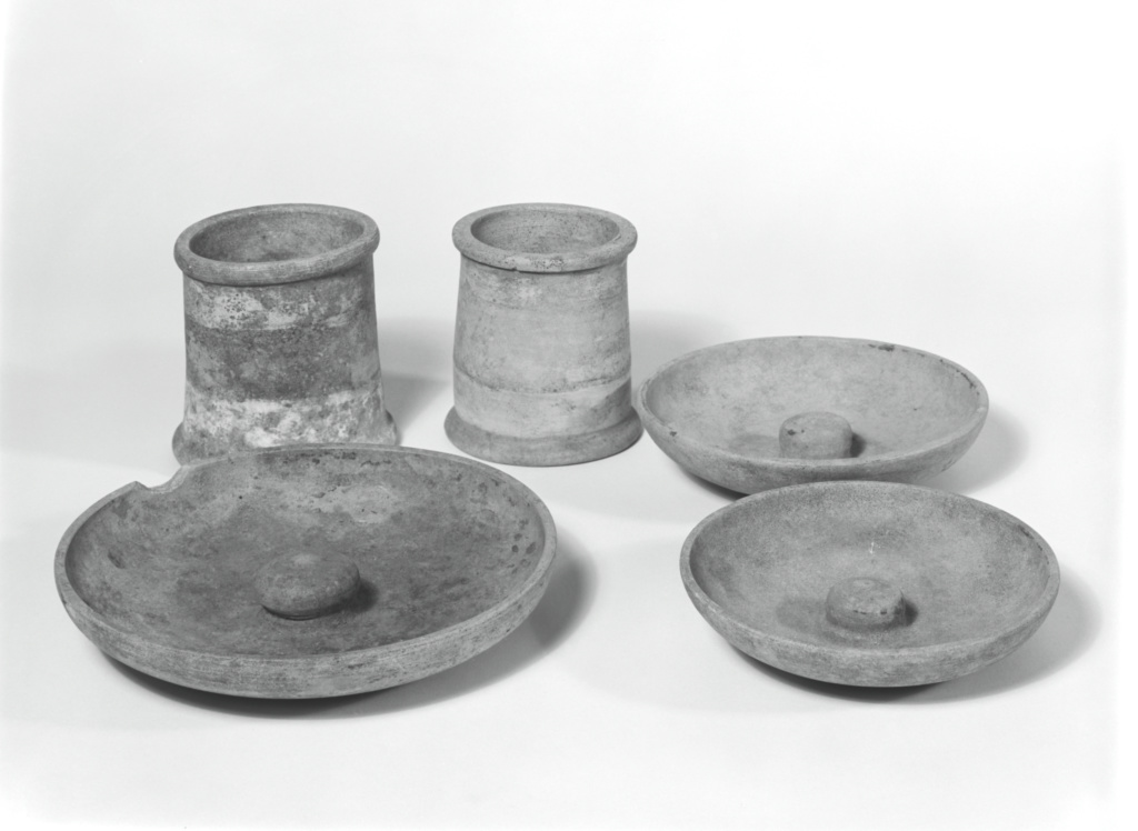 Group of Etruscan Phialai (3), Chalices (2) and an Urn