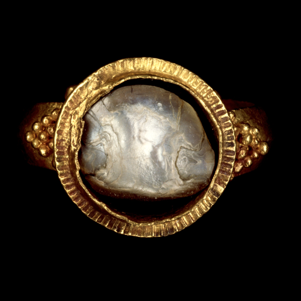 Ring; Unknown; Roman Empire; about A.D. 379–395; Gold, mother-of-pearl; 3 × 2.8 cm (1 3/16 × 1 1/16 in.); 83.AM.228.5; The J. Paul Getty Museum, Villa Collection, Malibu, California; Rights Statement: No Copyright - United States