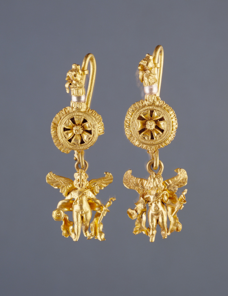 Disk Earring with a Figure of Eros; Unknown; Egypt; 225–175 B.C.; Gold and pearls; 4.7 × 1.6 × 1.5 cm (1 7/8 × 5/8 × 9/16 in.); 92.AM.8.5.1; The J. Paul Getty Museum, Villa Collection, Malibu, California; Rights Statement: No Copyright - United States