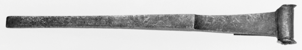 Half of a Tweezer; Unknown; 1st century A.D.; Bronze; 9.8 cm (3 7/8 in.); 82.AC.22.160; Rights Statement: No Copyright - United States