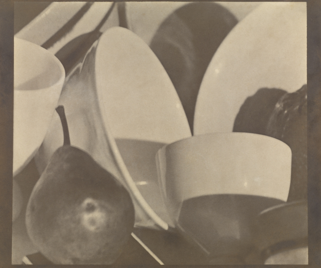 Photograph; Paul Strand (American, 1890 - 1976); 1916; Silver platinum print; 25.7 × 28.7 cm (10 1/8 × 11 5/16 in.); 88.XM.15; The J. Paul Getty Museum, Los Angeles; Rights Statement: In Copyright; Copyright: © 1981 Aperture Foundation Inc., Paul Strand Archive