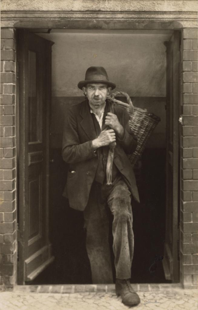 [Coal Carrier, Berlin (Berliner Kohlenträger)]; August Sander (German, 1876 - 1964); 1929; Gelatin silver print; 24.1 × 15.2 cm (9 1/2 × 6 in.); 84.XM.126.52; Rights Statement: In Copyright; Copyright: © J. Paul Getty Trust