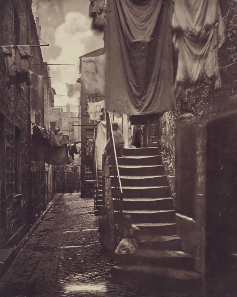 Close, No. 193 High Street.; Thomas Annan (Scottish,1829 - 1887); Glasgow, Scotland; negative 1868 - 1871; print 1877; Carbon print; 28.5 × 23.2 cm (11 1/4 × 9 1/8 in.); 84.XA.735.2.9; The J. Paul Getty Museum, Los Angeles; Rights Statement: No Copyright - United States