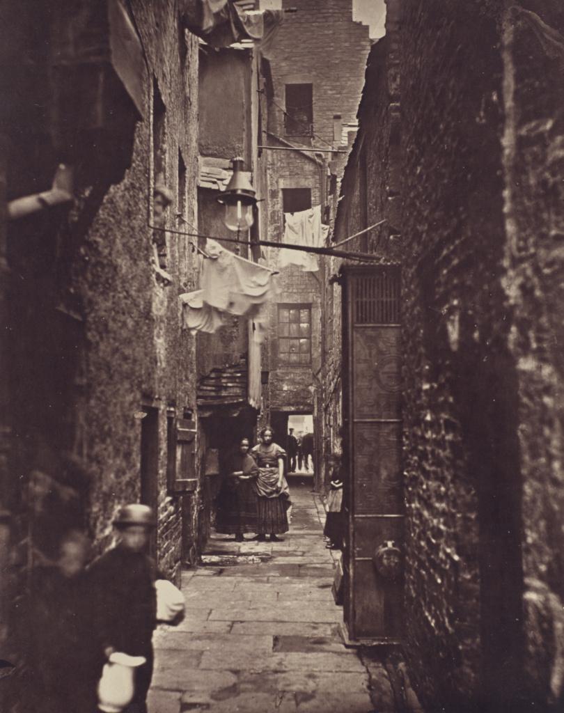 Close, No. 37 High Street.; Thomas Annan (Scottish,1829 - 1887); Glasgow, Scotland; negative 1868–1871; print 1877; Carbon print; 28.3 × 22.9 cm (11 1/8 × 9 in.); 84.XA.735.2.15; The J. Paul Getty Museum, Los Angeles; Rights Statement: No Copyright - United States