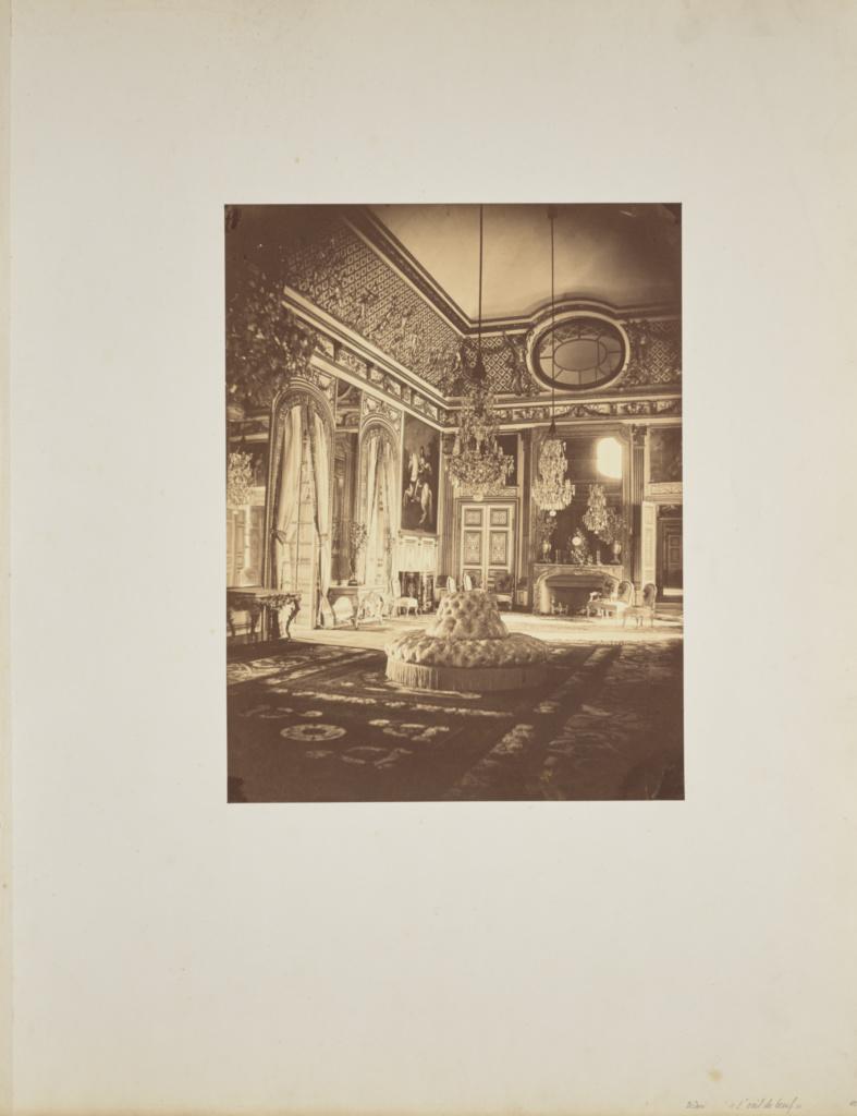 L'Œil-de-Bœuf; André Adolphe-Eugène Disdéri (French, 1819 - 1889); 1857; Albumen silver print; 34.6 × 26.5 cm (13 5/8 × 10 7/16 in.); 84.XO.433.3; Rights Statement: No Copyright - United States